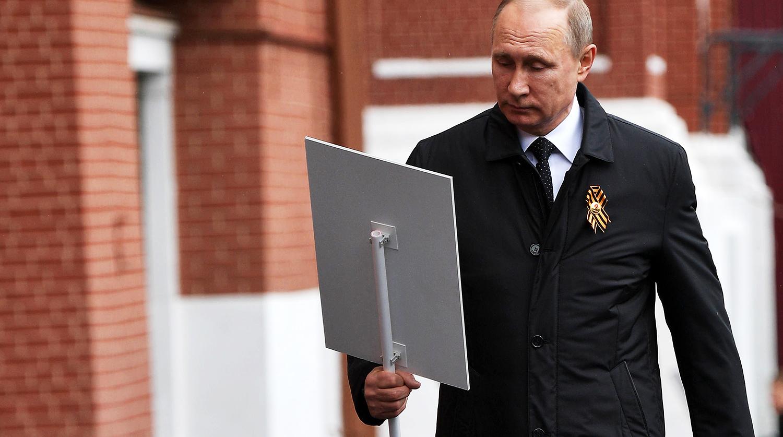 В 5-й раз : Путин шел рядом сЛановым вколонне «Бессмертного полка»
