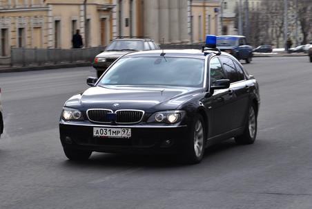 Автомобиль помощника президента Аркадия Дворковича попал в ДТП на полосе для общественного транспорта