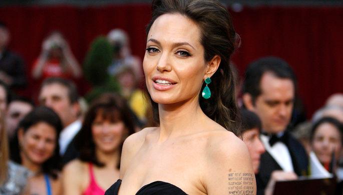 Слоненок вновом мультфильме Disney «заговорит» звуком исполнительницы — Анджелина Джоли