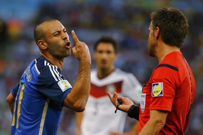 Футболист «Барселоны» Маскерано планирует уйти изклуба ипродолжить карьеру вMLS