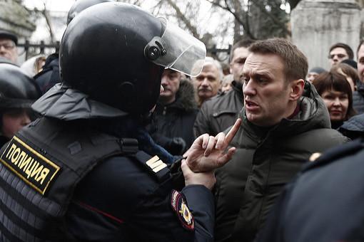 Лидер «Партии прогресса» Алексей Навальный в течение понедельника был задержан дважды