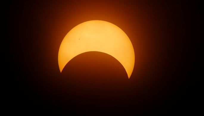 Астрологи предвещают позитивную энергетику. Земляне увидят первое в 2018 солнечное затмение