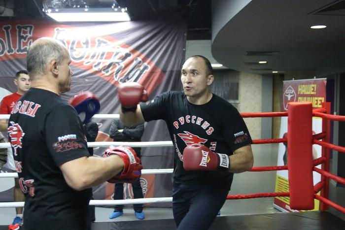 Устинов иЧарр определят «регулярного» чемпиона WBA
