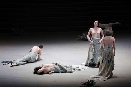 Хореограф-художник Шен Вэй показал Европе три премьеры своих перформансов