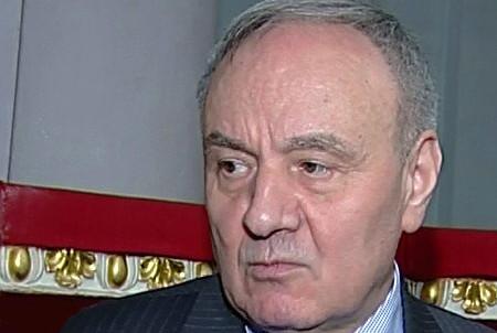Молдавский парламент готовится утвердить президентом 63-летнего юриста