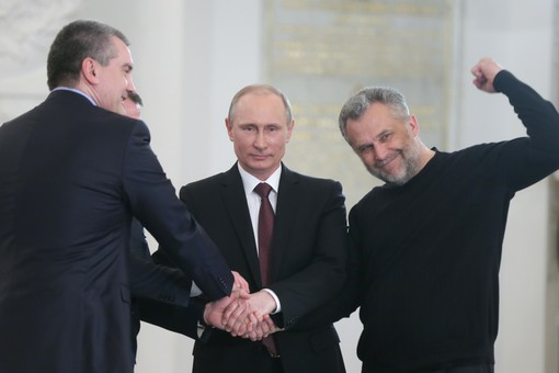 Путин и Чалый после подписания договора о вхождении Крыма в РФ