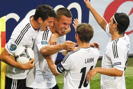 Германия одной ногой в полуфинале