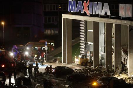 21 ноября в результате обрушения крыши в торговом центре Maxima в Риге погибли 54 человека, еще 40 получили ранения
