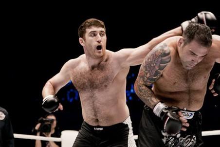 Руслан Магомедов в марте победил бывшего чемпиона UFC Рикко Родригеса