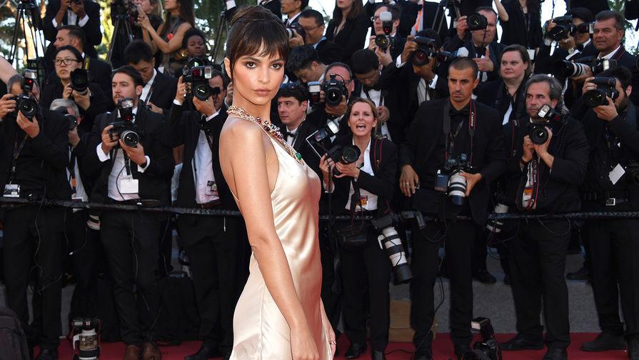 Известная модель засветила белье накрасной дорожке вКаннах— престижный конфуз