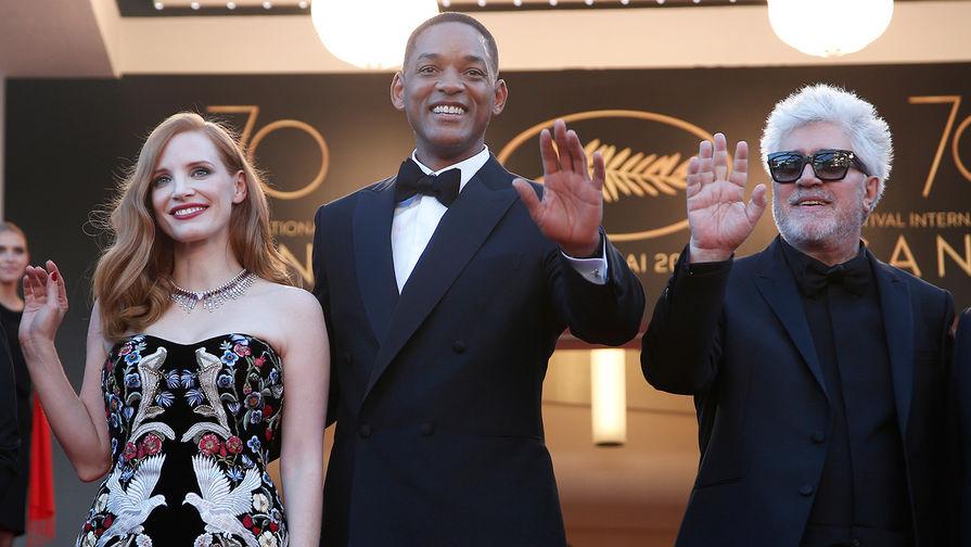 ТОП-5 откровенных нарядов церемонии открытия Каннского кинофестиваля