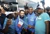 Французские болельщики встречают игроков своей сборной