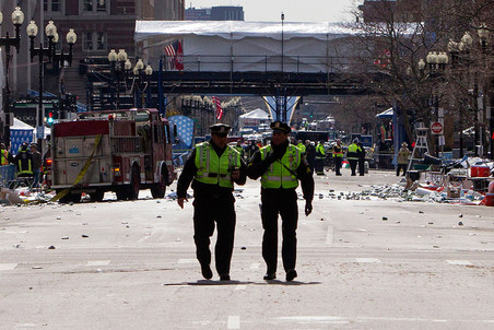 15 апреля на финише международного марафона в Бостоне прогремели два взрыва с интервалом в 12 секунд. В результате теракта погибли три человека, более 260 были ранены