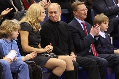 http://img.gazeta.ru/files3/176/2913176/duu.jpg