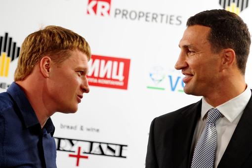 Загляни в мои глаза. Идиллия в отношениях двух чемпионов по боксу на первой совместной пресс-конференции.