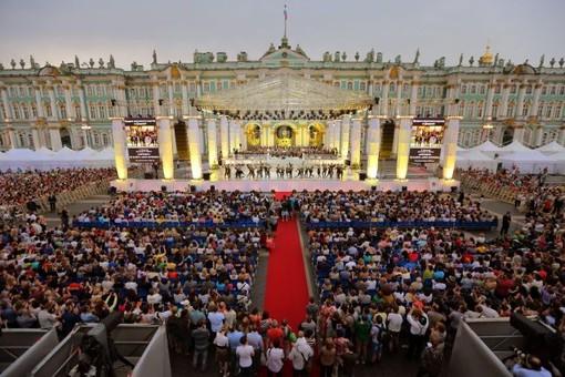 Режиссер Юрий Александров мечтает показать оперу-митинг «Крым» на Дворцовой площади при большом количестве зрителей