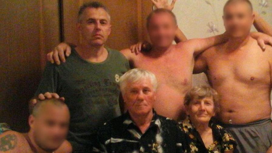 Андрей Гошт с матерью и отцом