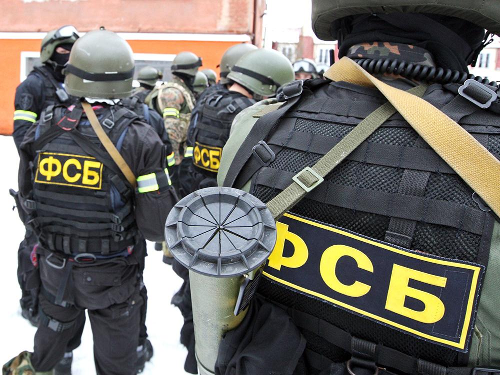 В Крыму задержали грузовик «Почты России» с контрафактным алкоголем