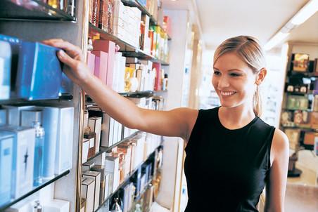 Антимонопольная служба Франции оштрафовала тринадцать ведущих парфюмерных компаний