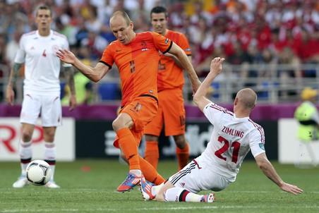 Сборные Нидерландов и Дании открыли турнир в группе В