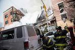 Два человека погибли в результате взрыва жилого дома на Манхэттене