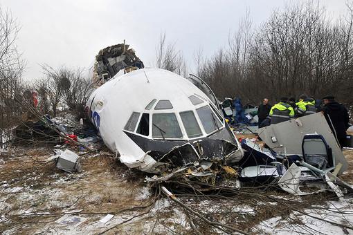 На месте аварийной посадки самолета Ту-154 авиакомпании «Авиалинии Дагестана» в аэропорту «Домодедово»