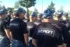 Бойцы «Беркут» слушают «установку» перед матчем Украина— Франция...
