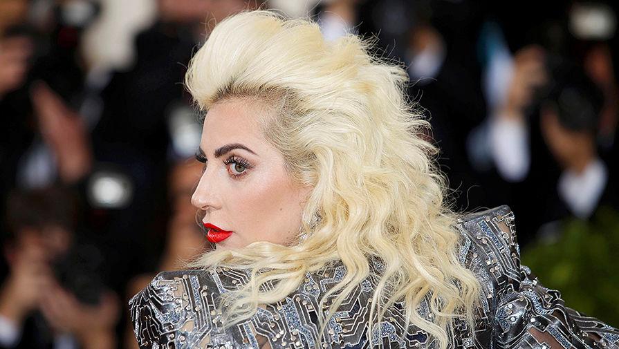 Завидная невеста: Леди Гага собралась замуж засвоего агента Кристиана Карино