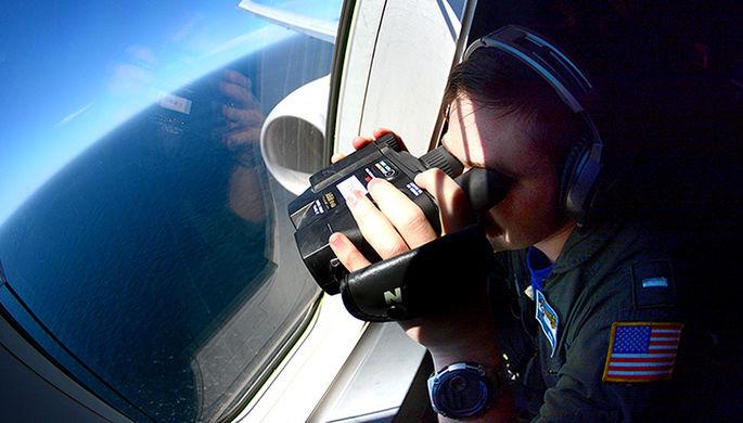 Американский самолет сбросил неизвестный предмет наяпонский детсад