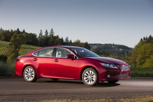 -  Lexus ES