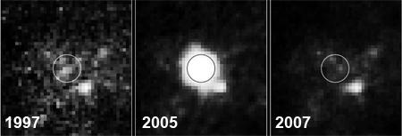 ����������� ������� ��������� NGC266, ���������� �� � ����� ������ ���������� � ������� ������ WFPC2 ������������ ��������� ����� ������ (�� �����) � �� ����� ������ � ������� ��������� ��������� ����� ���� (� ������). //NASA/ESA/ A.Gal-Yam/Weizmann Institute