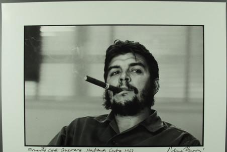 Че Гевара с сигарой. Из серии «Интервью с министром промышленности для журнала Look»Гавана, 1963
