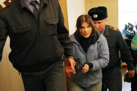 Таганский суд принял решение заключить третью активистку Pussy Riot под стражу до 24 апреля