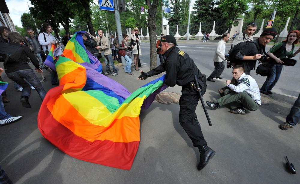 Гей-организаций Белоруссии и России попытались провести на улице