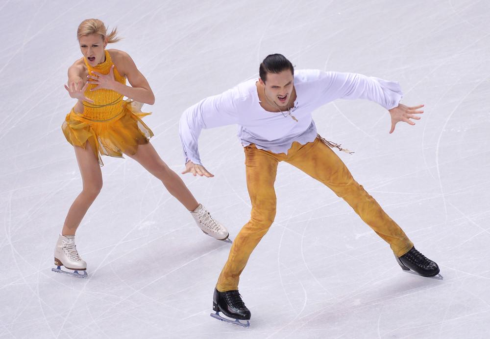 Россия завоевала золото и серебро в соревнованиях по фигурному катанию
