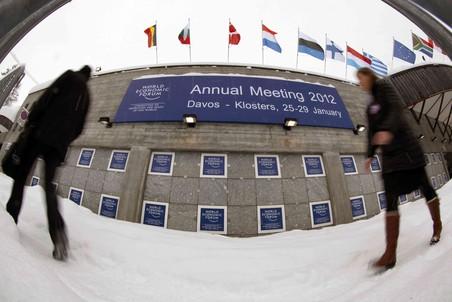 На форум в Давос приехали участники из боле чем 100 стран.