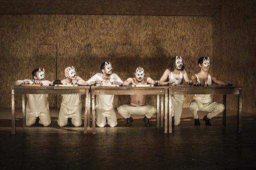 Сцена из спектакля Гоголь-центра «Мертвые души»