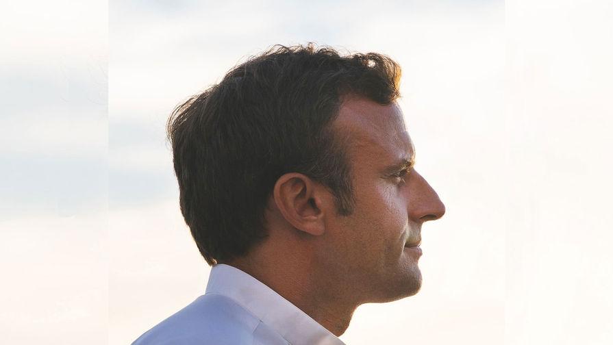 Украинский блогер пожелал Макрону увидеть в центре Парижа танки из России