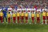 Польские футболисты поют национальный гимн