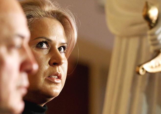 Евгения Васильева проводила сделки по директивам министра Сердюкова, заявил адвокат