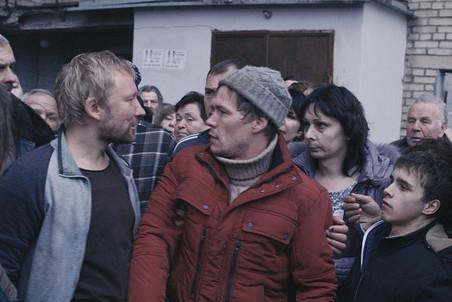 Кадр из фильма «Дурак»