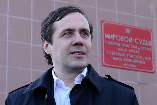 """Кучка клоунов-провокаторов пугает туристов """"оккупированным"""" Крымом"""