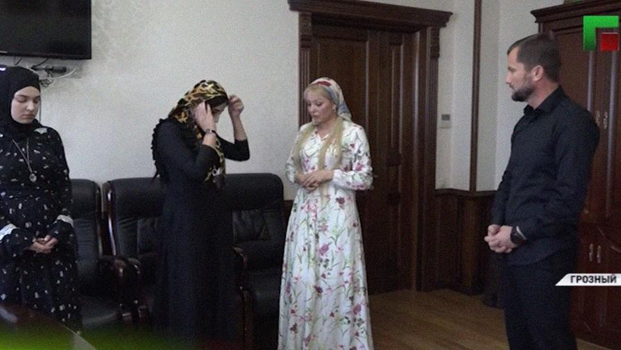 Власти Чечни запретили артистам исполнять неутвержденный репертуар даже вглобальной web-сети