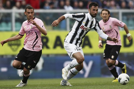 «Милан» проиграл дома «Фиорентине», «Ювентус» выиграл в Палермо