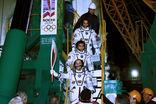 Олимпийский факел отправили в космос