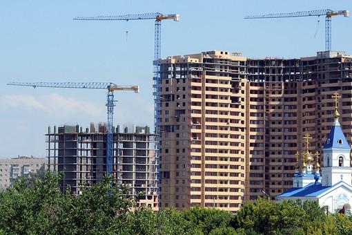 Вид на строящийся жилой дом