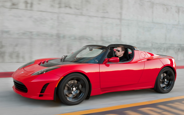 Tesla Roadster стала первым автомобилем компании Маска