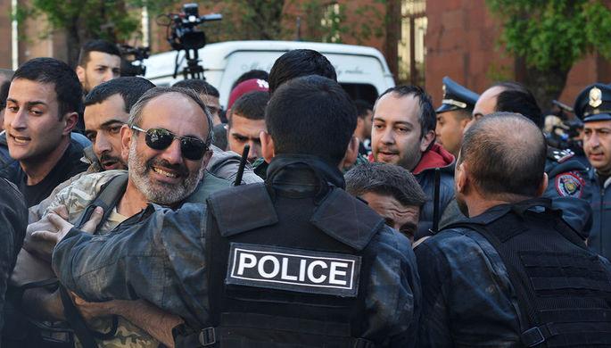 Президент Армении встретился слидером оппозиции