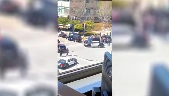 Ситуация около штаб-квартиры You Tube в Сан Бруно после стрельбы