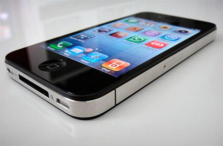 Apple готовит выпуск дешевого iPhone 4, гаджет появится в России весной 2012 года